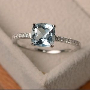 Beautiful Sterling Silver Aquamarine Ring